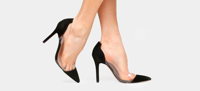 Detalhes em vinil e transparência nos calçados